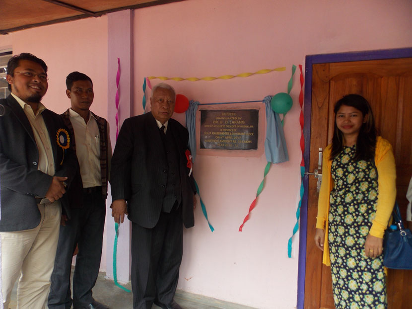 Chief Adviser to the Government of Meghalaya Dr. D.D. Lapang, inaugurating the Bharat Nirman Rajiv Gandhi Seva Kendra (BNRGSK) building
