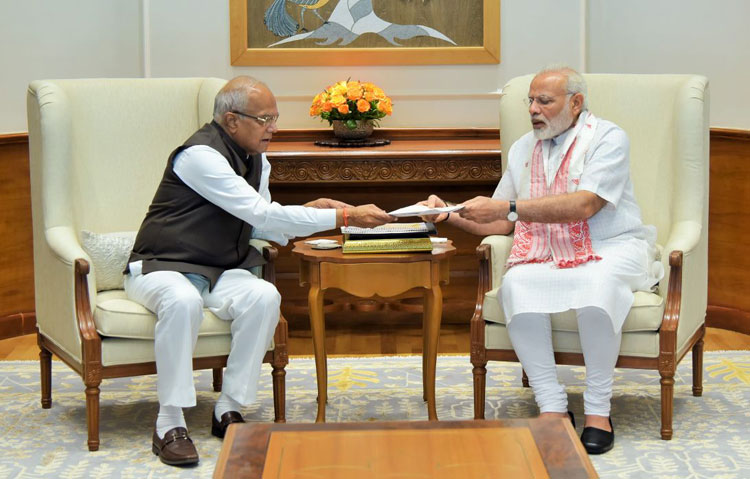 Meghalaya Governor, Shri Banwarilal Purohit called on Prime Minister of India, Shri. Narendra Modi to brief him on the flood situation in North East