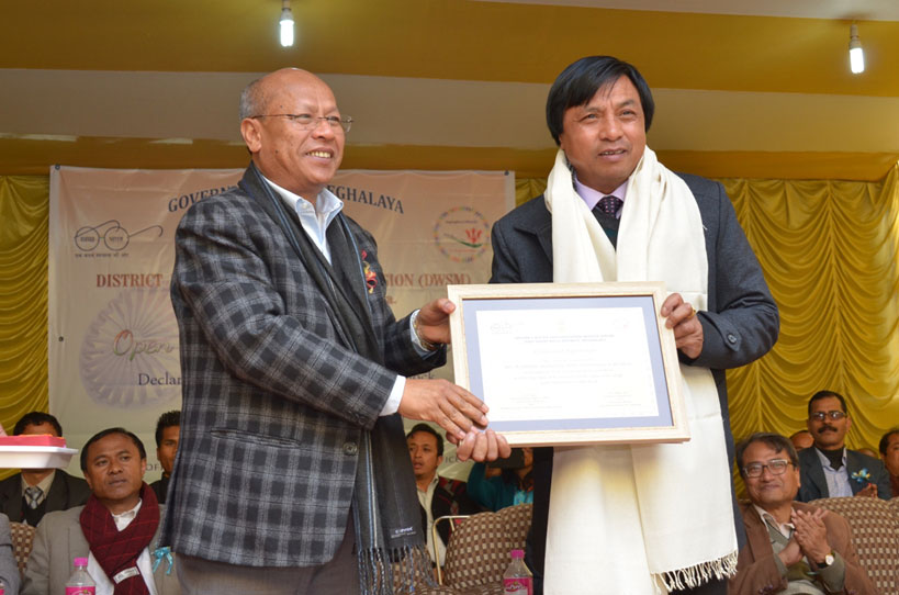 PHE Minister P Tynsong felicitates BDO Mawkynrew C&RD Block, W B Marbaniang at a function held at Mawkynrew