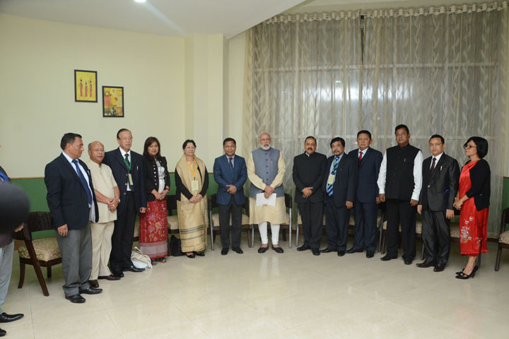 Prime Minister Narendra Modi alongwith Union Minister DONER Dr.Jiitendra Singh, Meghalaya Chief Minister Dr.Mukul Sangma and his cabinet colleagues at the State Convention Centre