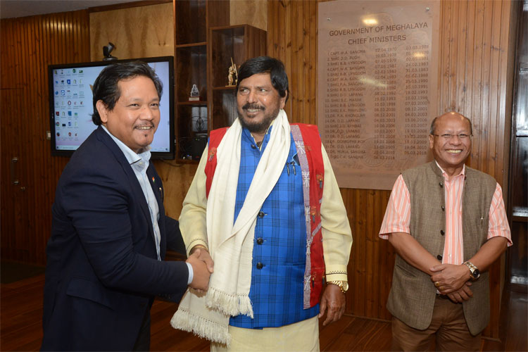 Union Minister of State for Social Justice and Empowerment, Shri. Ramdas Athawale, during his meeting with Chief Minister, Shri Conrad K Sangma