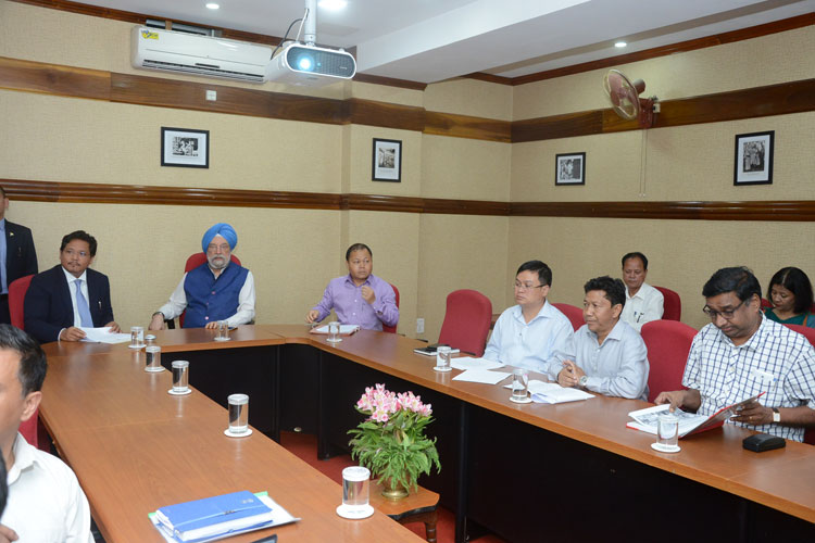 Union Minister of State for Urban Affairs meets officials in the city 30-08-2019